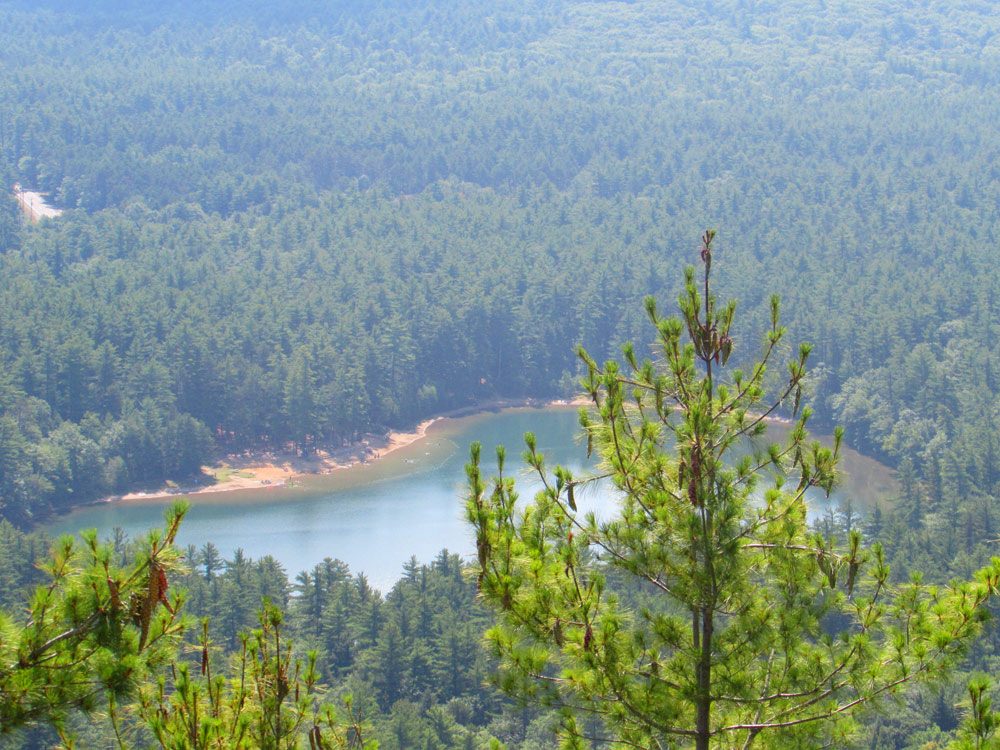 View of Echo Lake from Cathedral Ledge