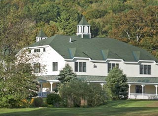 Snowflake Inn lodging in Jackson Village NH