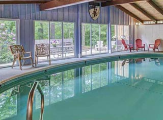 Four Seasons Lodge lodging in North Conway NH
