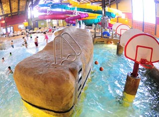 Kahuna Laguna indoor waterpark at Red Jacket Mountain View Resort